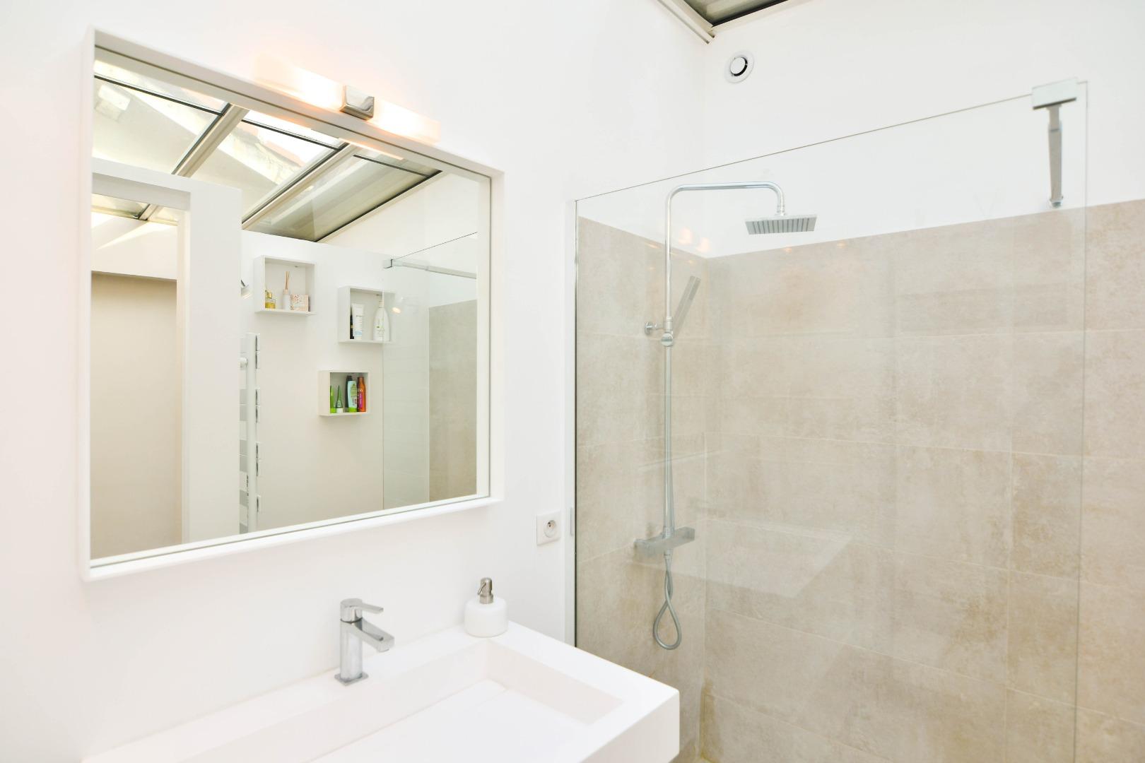 Votre créateur de salle de bain sur-mesure  Bulle de Bains